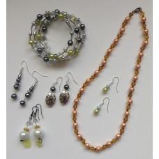 Beaded Jewellery Making - Thu 21st Sep- 10.00am-2.30pm)